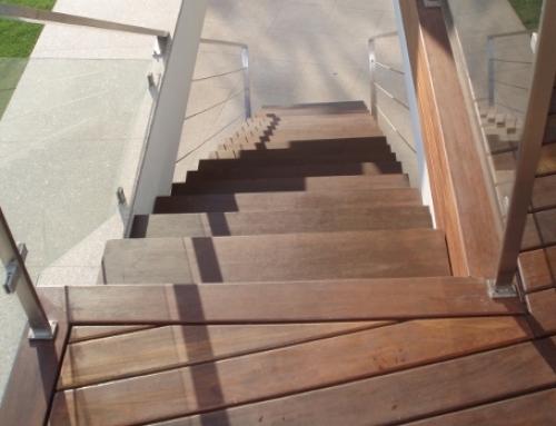 Escadaria em Afizélia